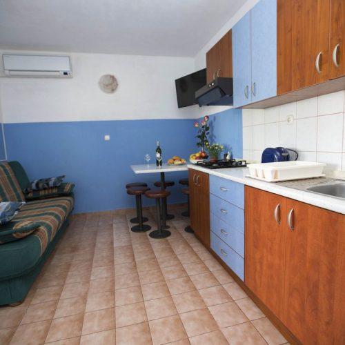 Apartment No. 6
