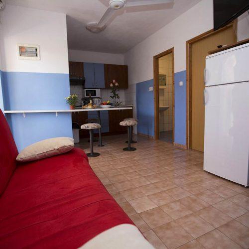 Apartment No. 5